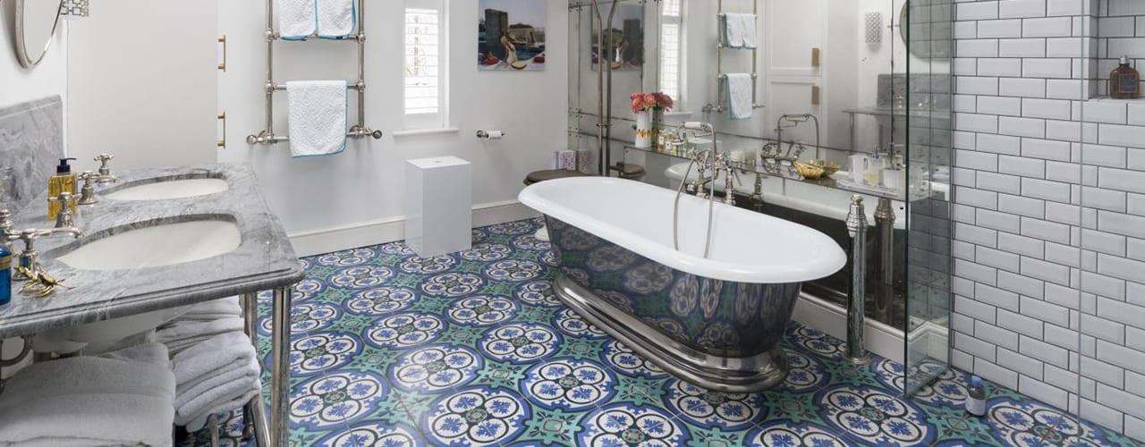 Vintage Look bathroom showing Bathroom Renovation Tips Buy Acura Developments